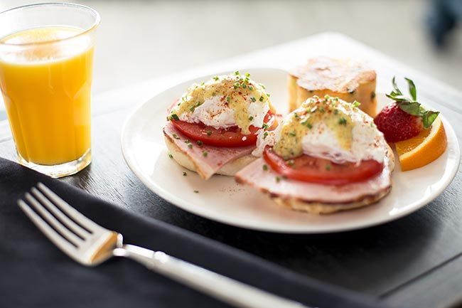 food-eggs-benedict-huron-house-march-2016-2.jpg