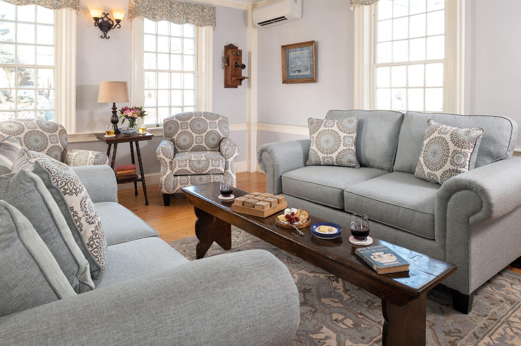 Common-Areas---Living-Room.jpg