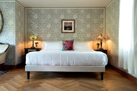 Old-Victorian---Interiors---Guest-room-#3---September-2017-(9)-copy.jpg