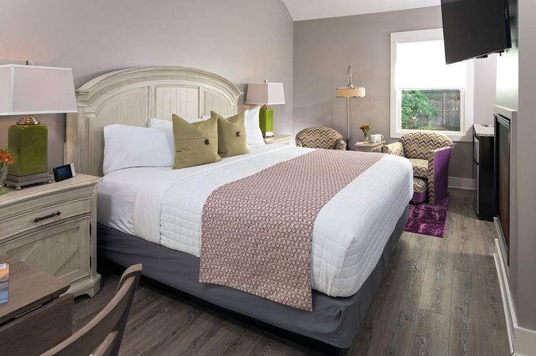 Hotel-Saugatuck---Interiors---Cottages---Sweet-Gale---2016.jpg