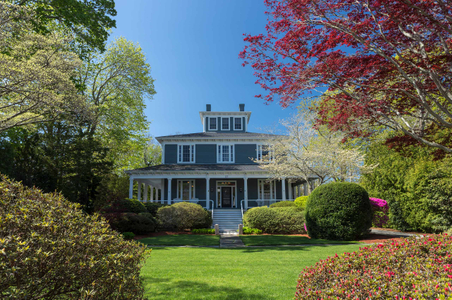 Exterior Architectural Daytime photograph - Cape Cod Inn.jpg