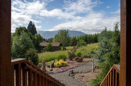 Exterior Architectural Photograph of an Inn in Washington State.jpg