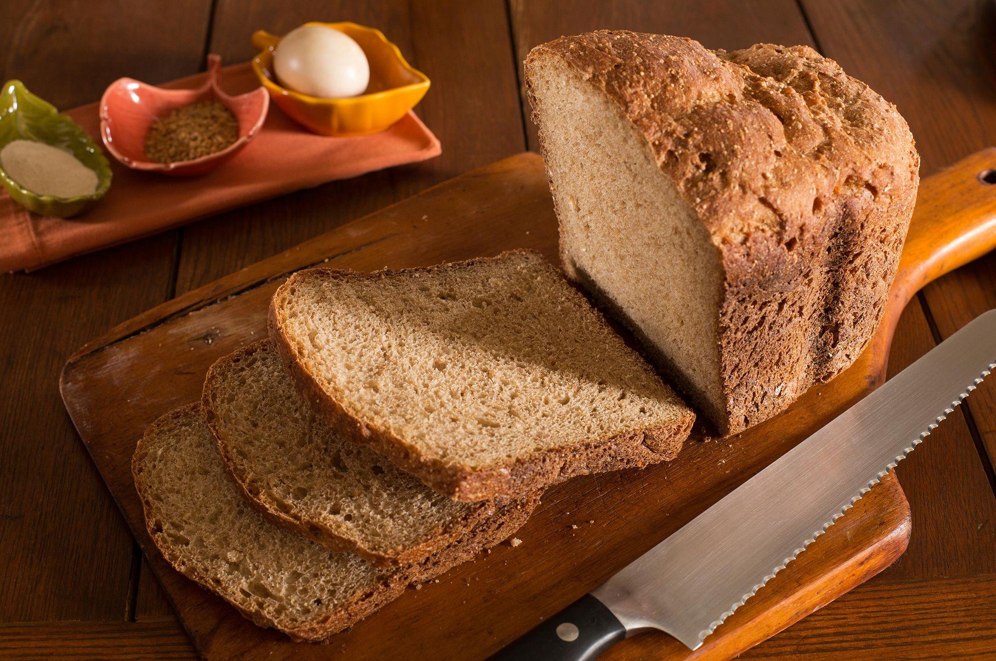 Food-sliced homemade bread.jpg