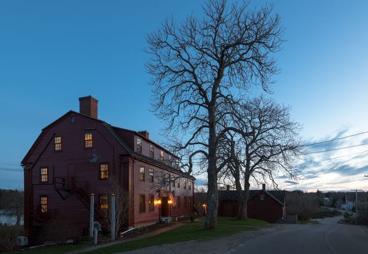 Pilgrim's Inn - Exteriors - Dusk - April 2018 (2).jpg