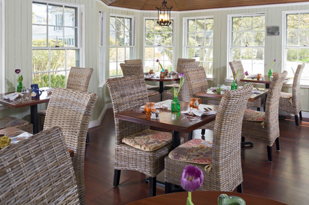 New-Dining-Room-Old-Manse-Inn.jpg