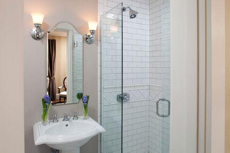 Jackson House Inn bathroom vignette.jpg