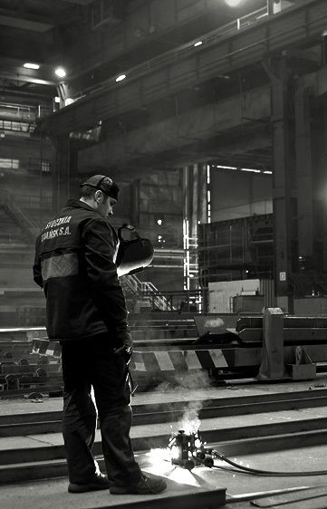 1Livebooks_12_1_Gdansk_Shipyard7_1.jpg