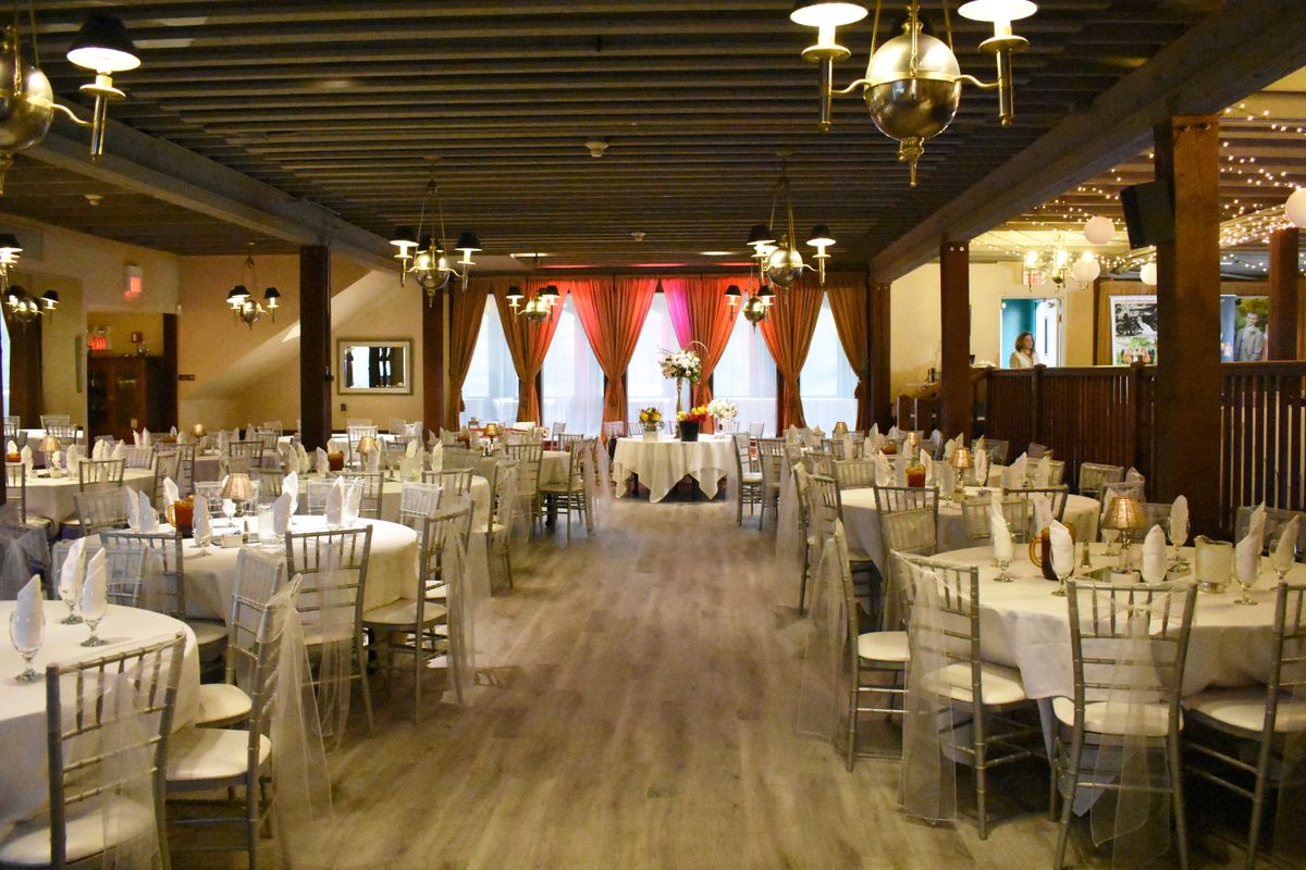 The chic banquet center