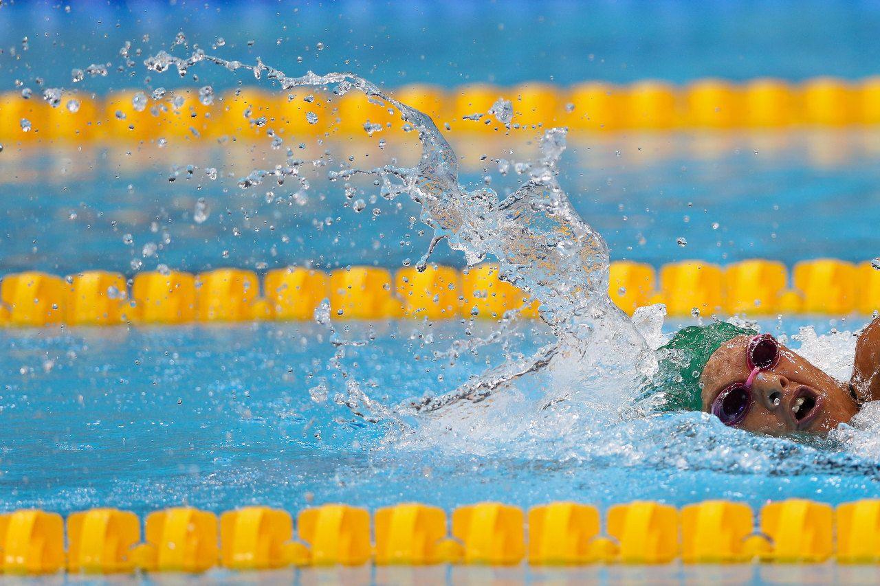 Natalie du Toit wins gold