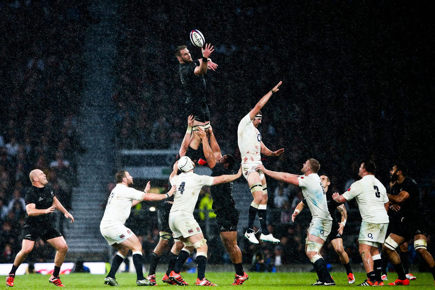 QBE Autumn Internationals - England vs New Zealand - Twickenham Stadium  - London - 02/11/2013