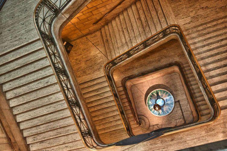 1Pendulum_Stairway.jpg