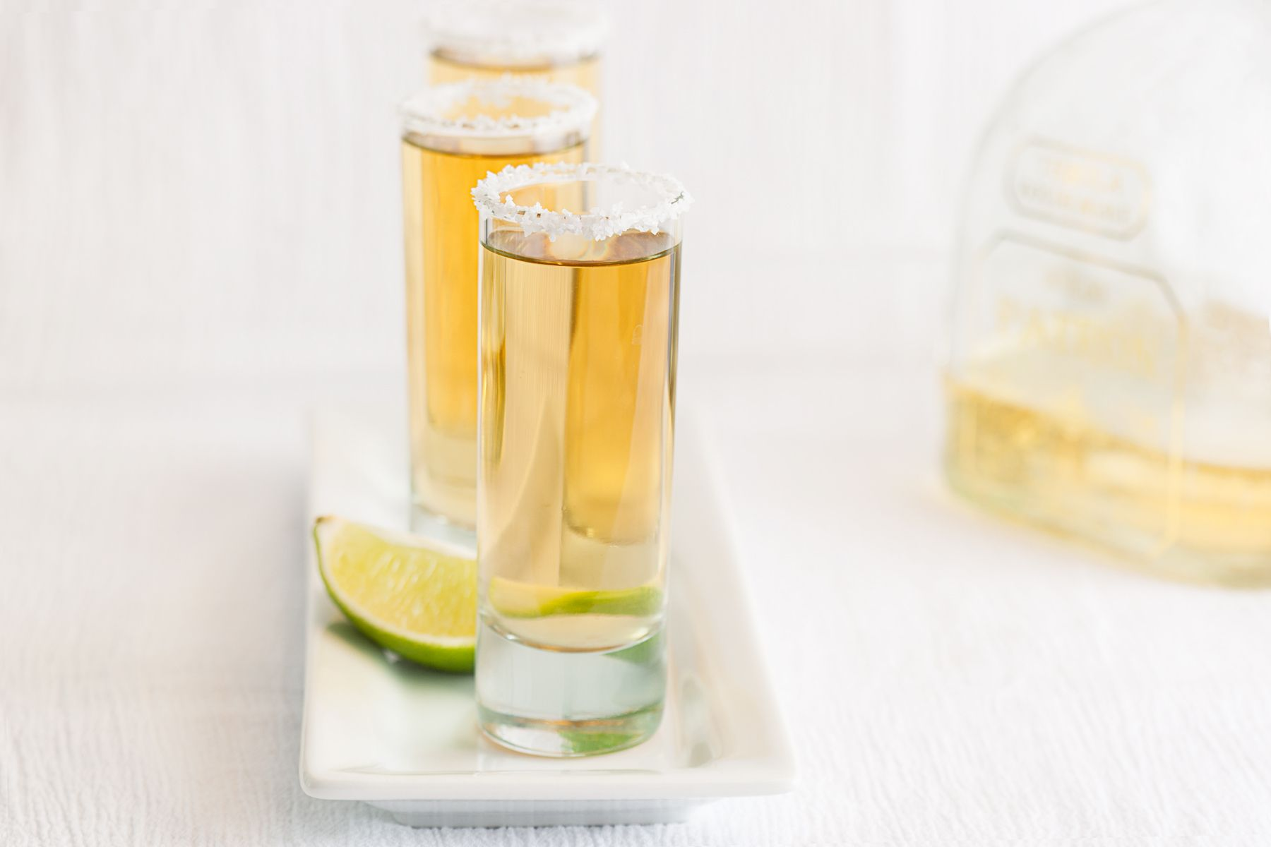 1tequila_shots_with_lime