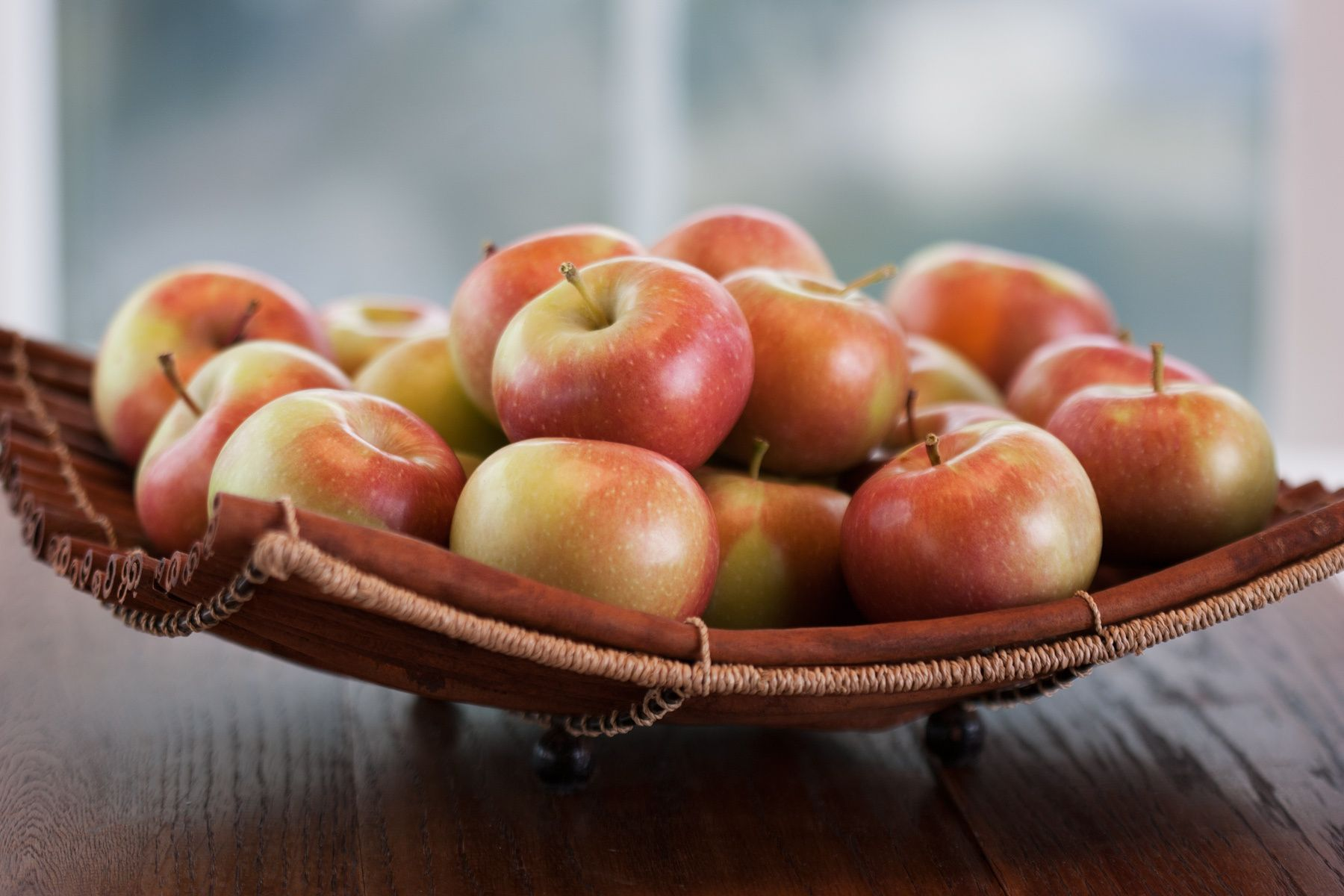 1basket_of_apples