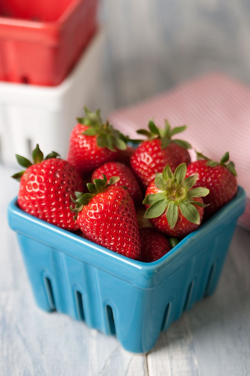 1basket_of_strawberries