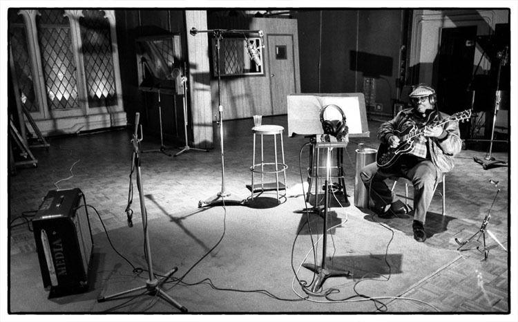 B.B. King in the studio