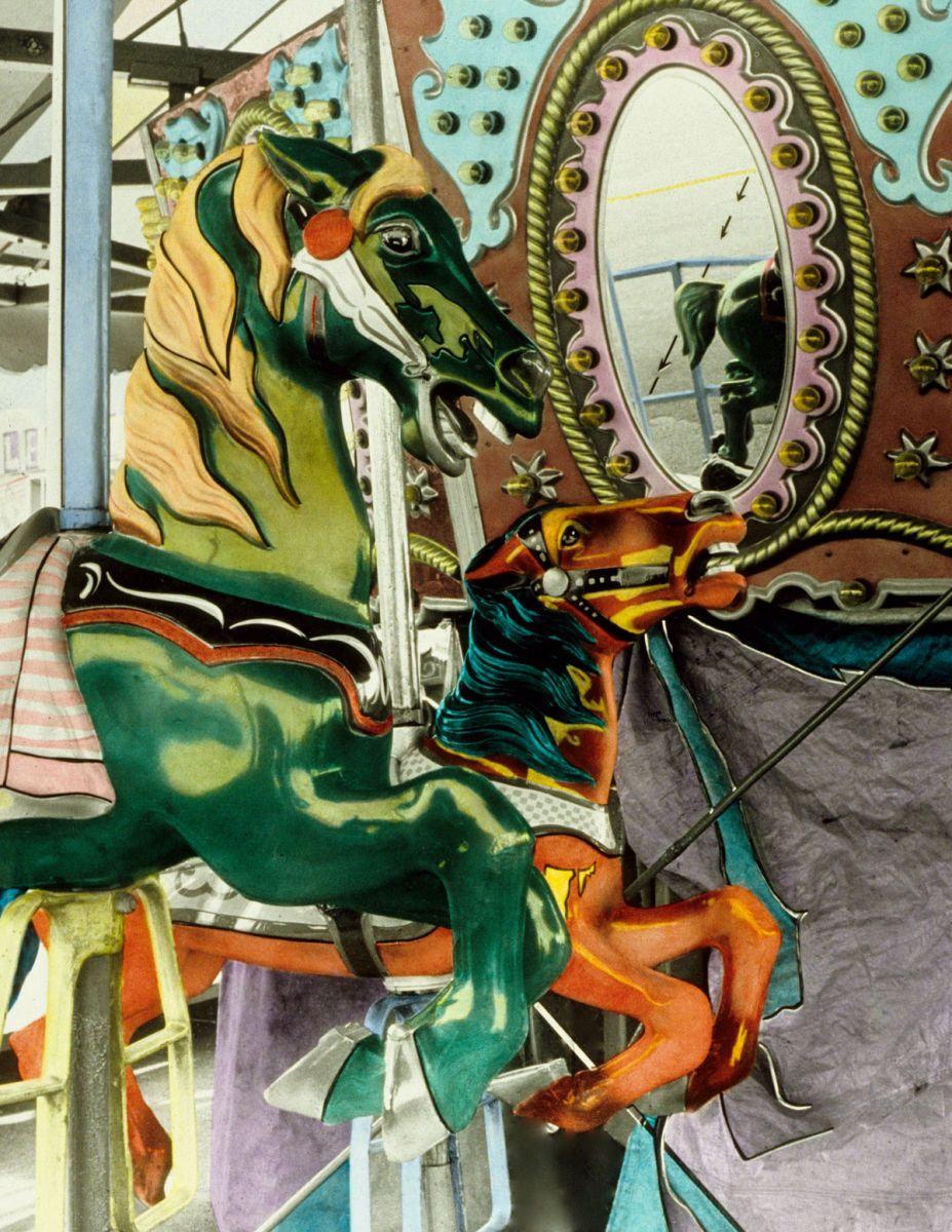 Carousel B2