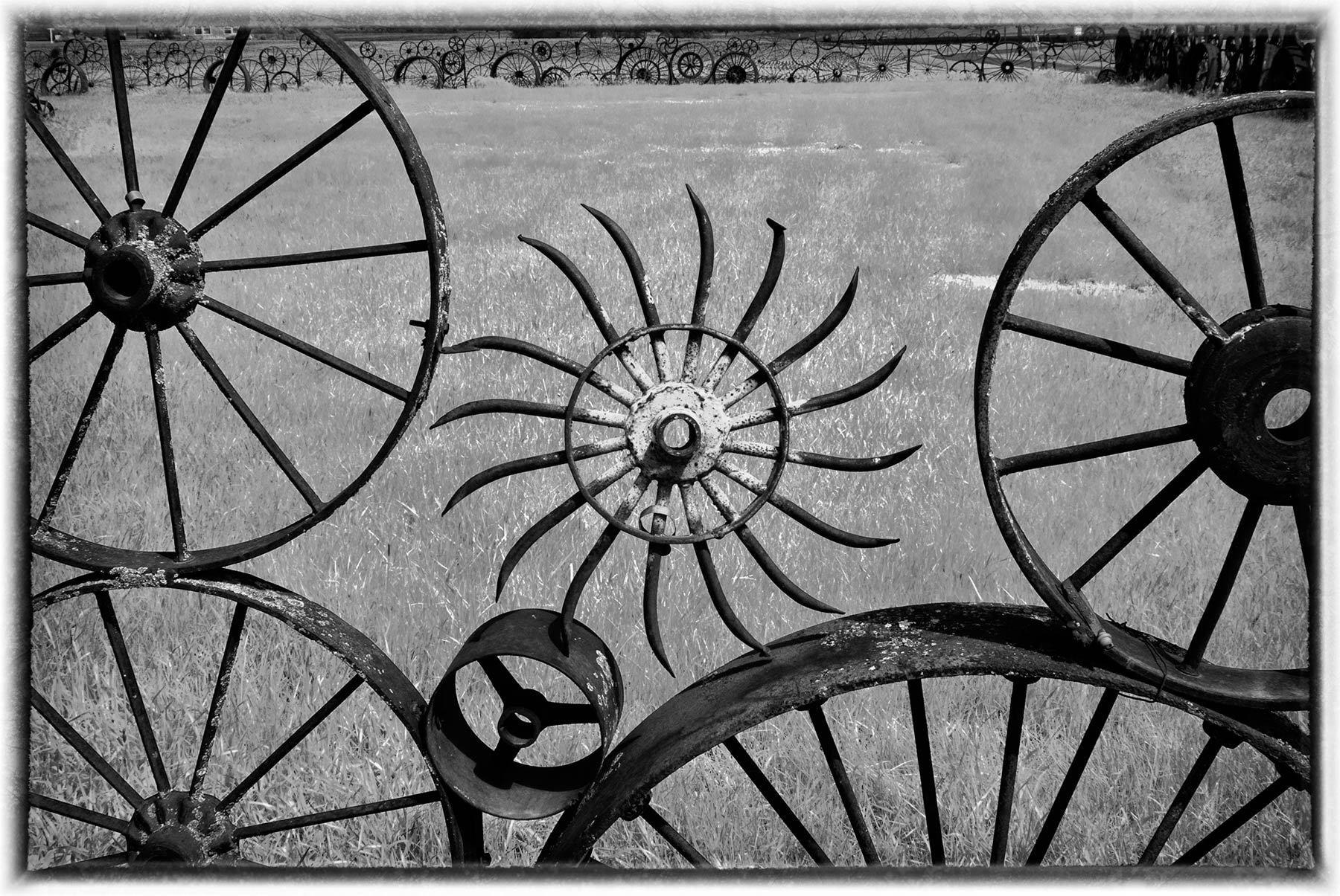 1wheel_fence.jpg