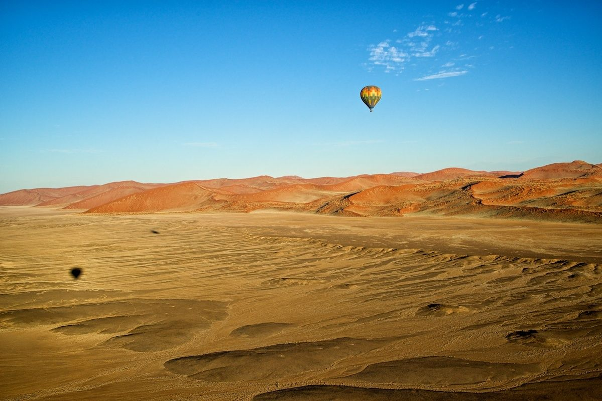 1ballooning_over_the_namib_desert.jpg