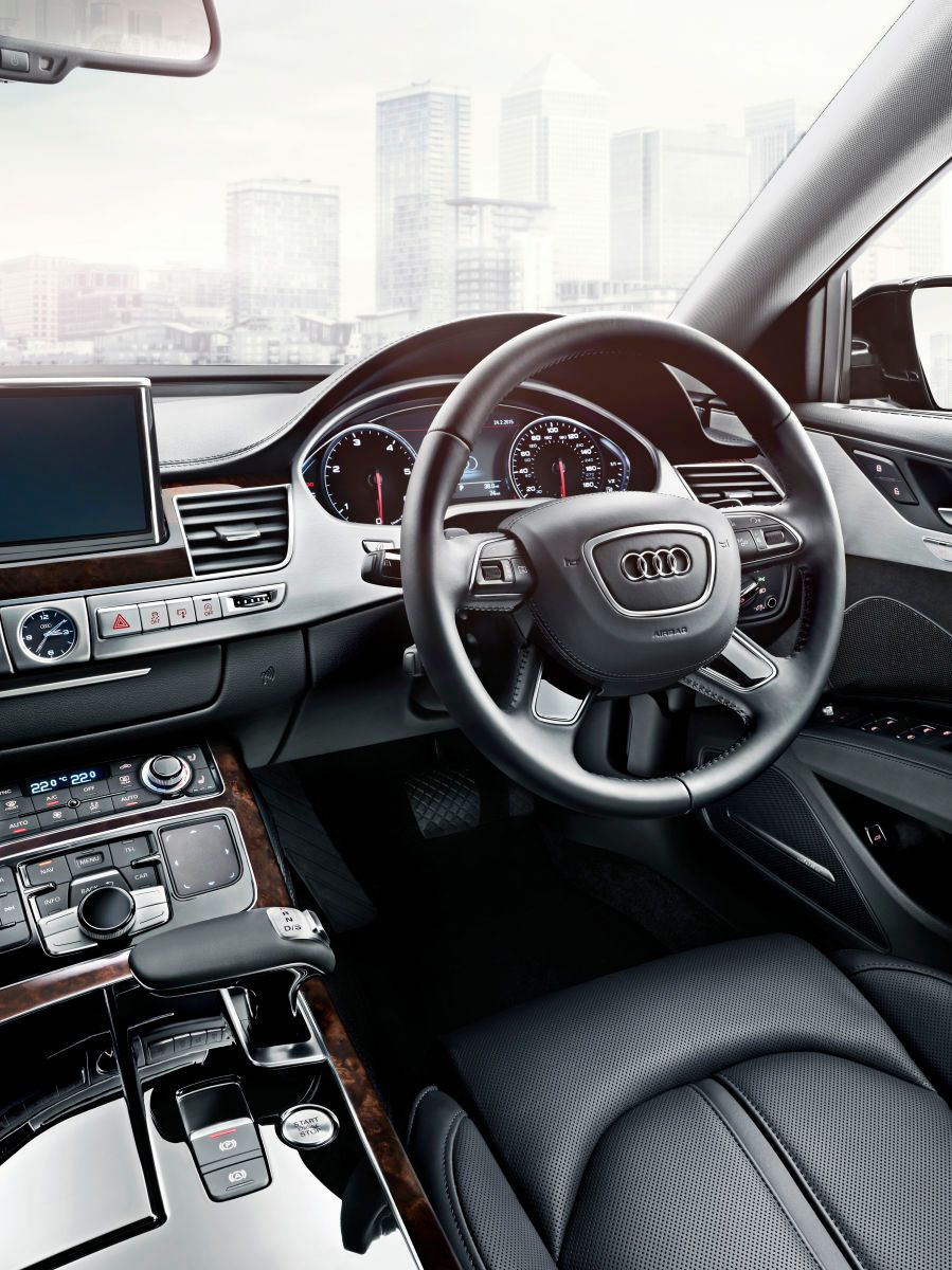1audi_a8l_s_interior_stearing_wheel_v2_01b