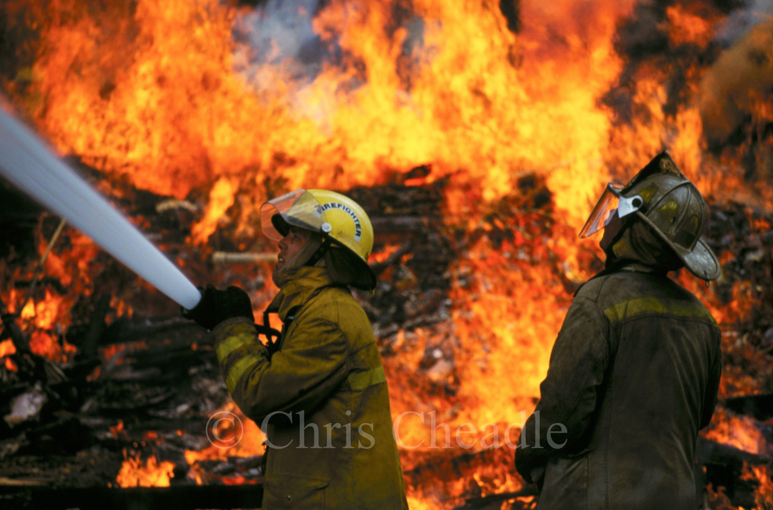 20071210-cncpt_firemen_h.jpg