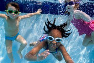 003_Kids_Underwater copy.jpg