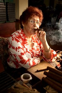 1miami_cigar_woman.jpg