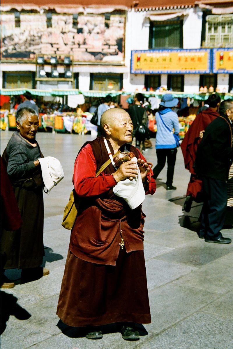 1old_tibetan_woman