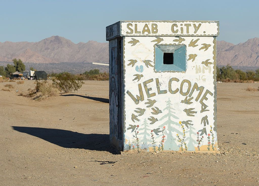 99% of Slabbers are either unemployed, retired or disabled. Welcome to Slab City. Here there's no water, electricity or sewage treatment. What you bring in is all you've got. Welcome to Slab City.