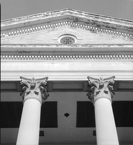 1r1st__baptist_church_ele_detail.jpg