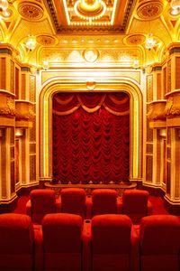 1r25_B_Theater.jpg