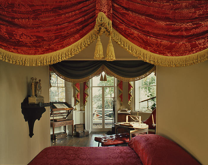 MONTICELLO BED AND STUDY CLOSE
