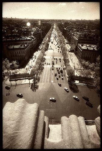 1paris_street_infar