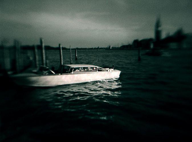 1b_wboat
