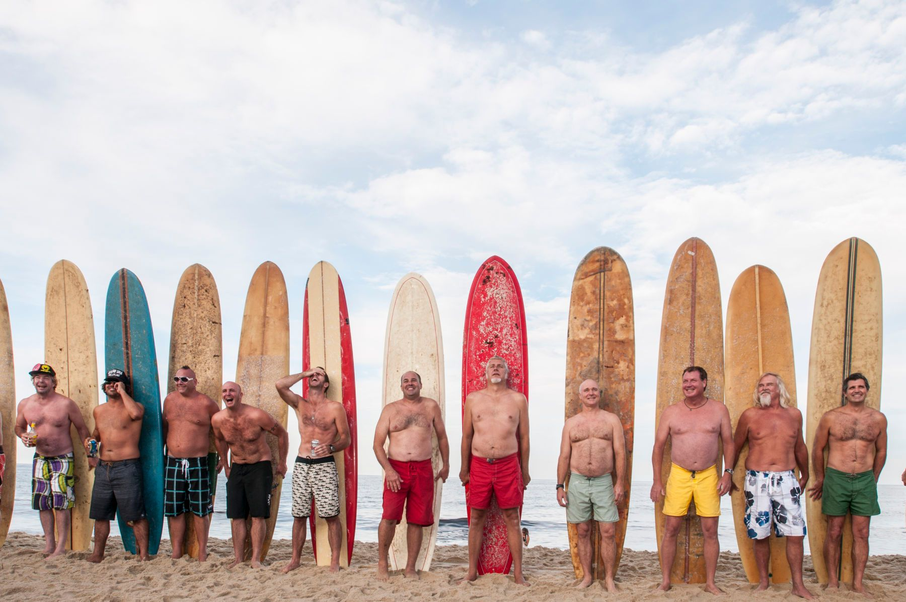 25_1surfers_group.jpg