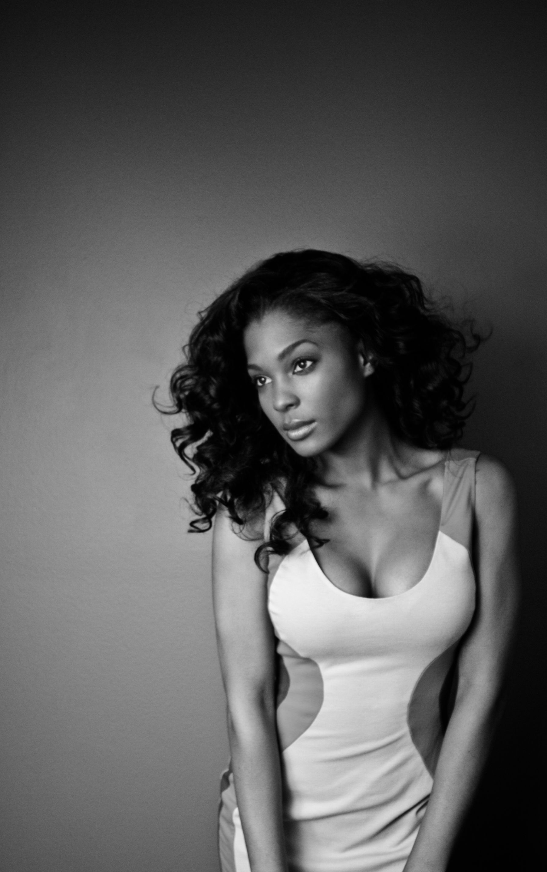 1lanisha_cole__fine_art_photographer__black_and_white__self_portrait__photo__april_2013.jpg