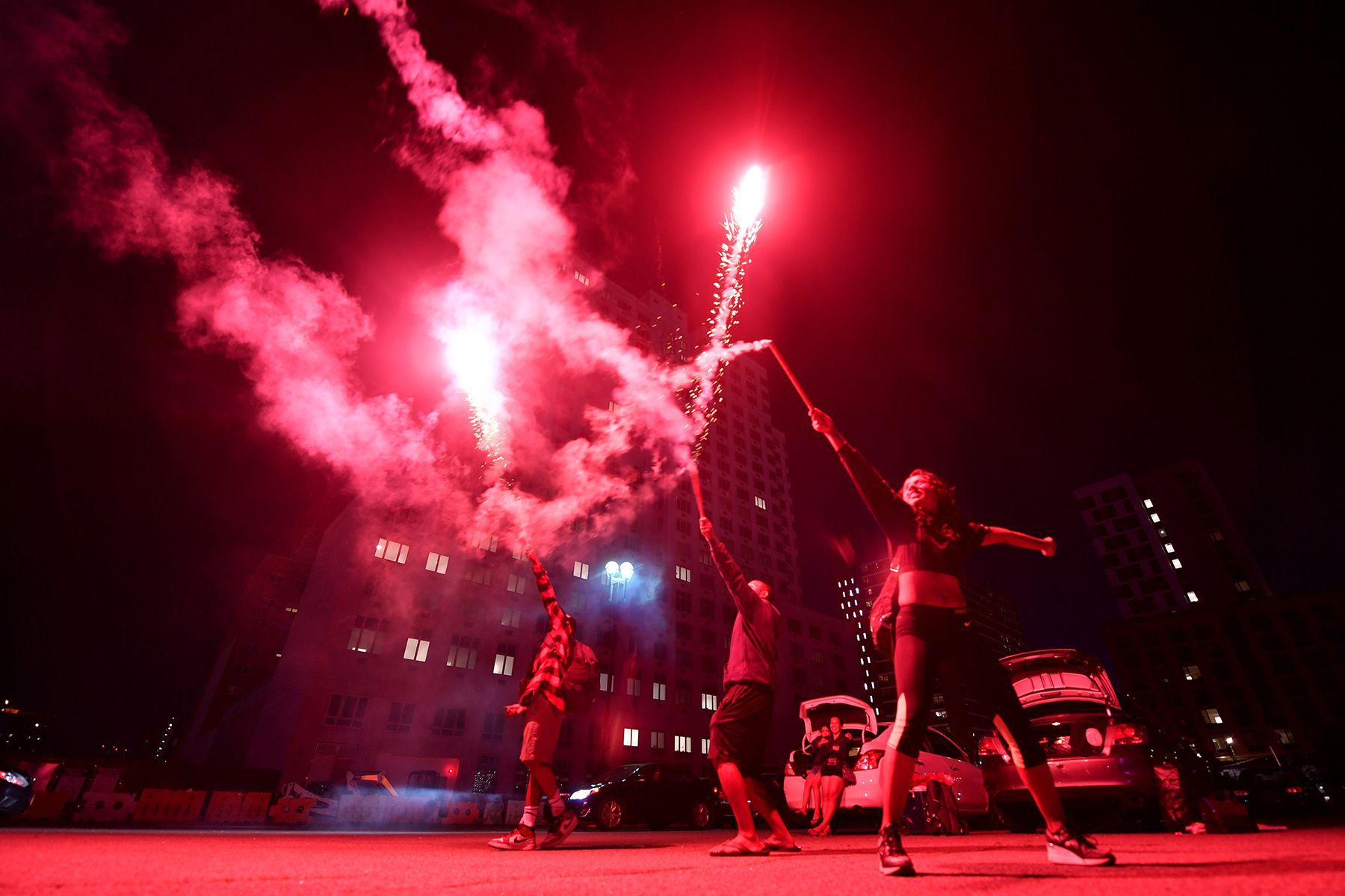 070421 July 4th Coney Island Fireworks 01.jpg