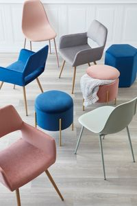 LCL9524_05_ChairsOttomans.jpg