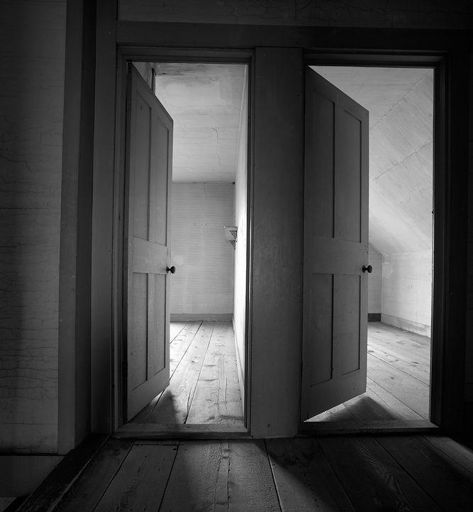 1kernan_olson_house_doors