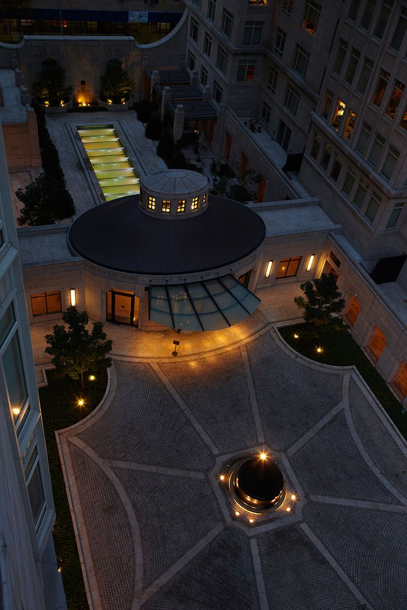 The courtyard and driveway of 15 Central Park West