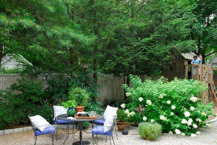 1backyard_dining_landscaped_backyards_stone_landscaping.jpg