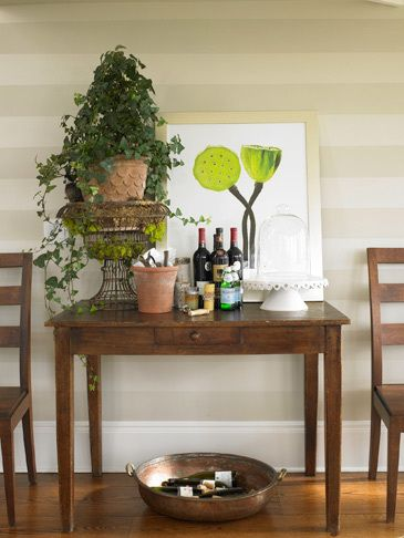 1table_with_wine_dining_room_decor_decorating_tables_dining_kitchen_design_for_the_21st_century.jpg