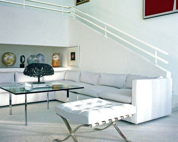 1sculpture_modern_furniture_bertoia_mies_van_der_rohe_seating_white_decorating_interior_design_nancy_e_hill_photography.jpg