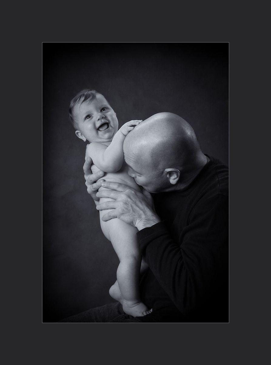1baby_boy_with_dad_fr