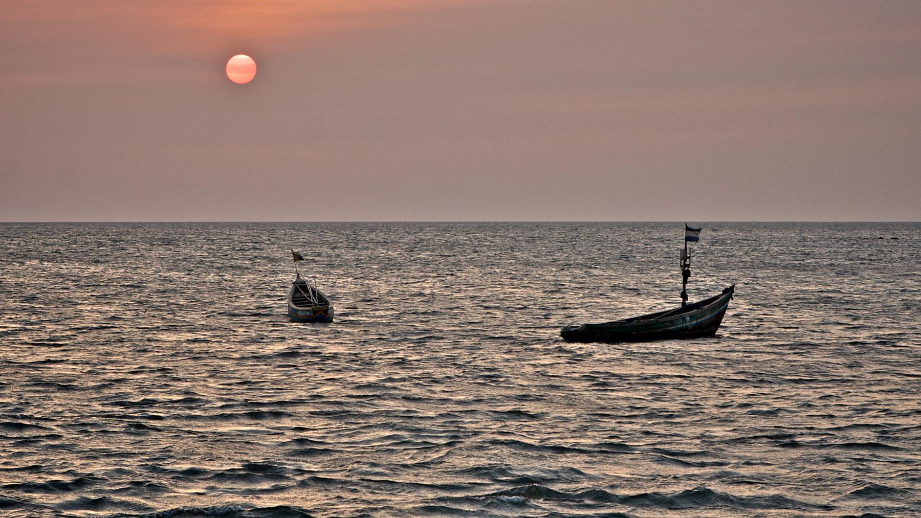 1sunset_freetown_harbor_boats_sierra_leone.jpg