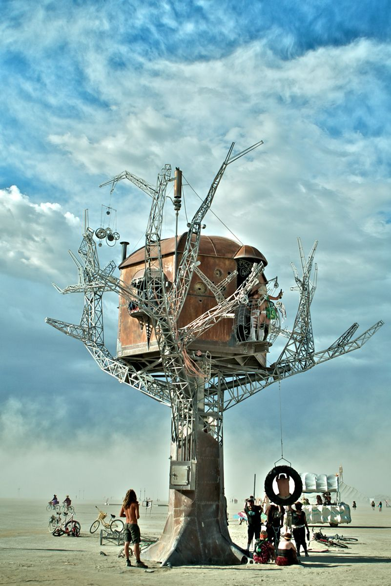 1steampunk_treehouse_sean_orlando__burning_man.jpg