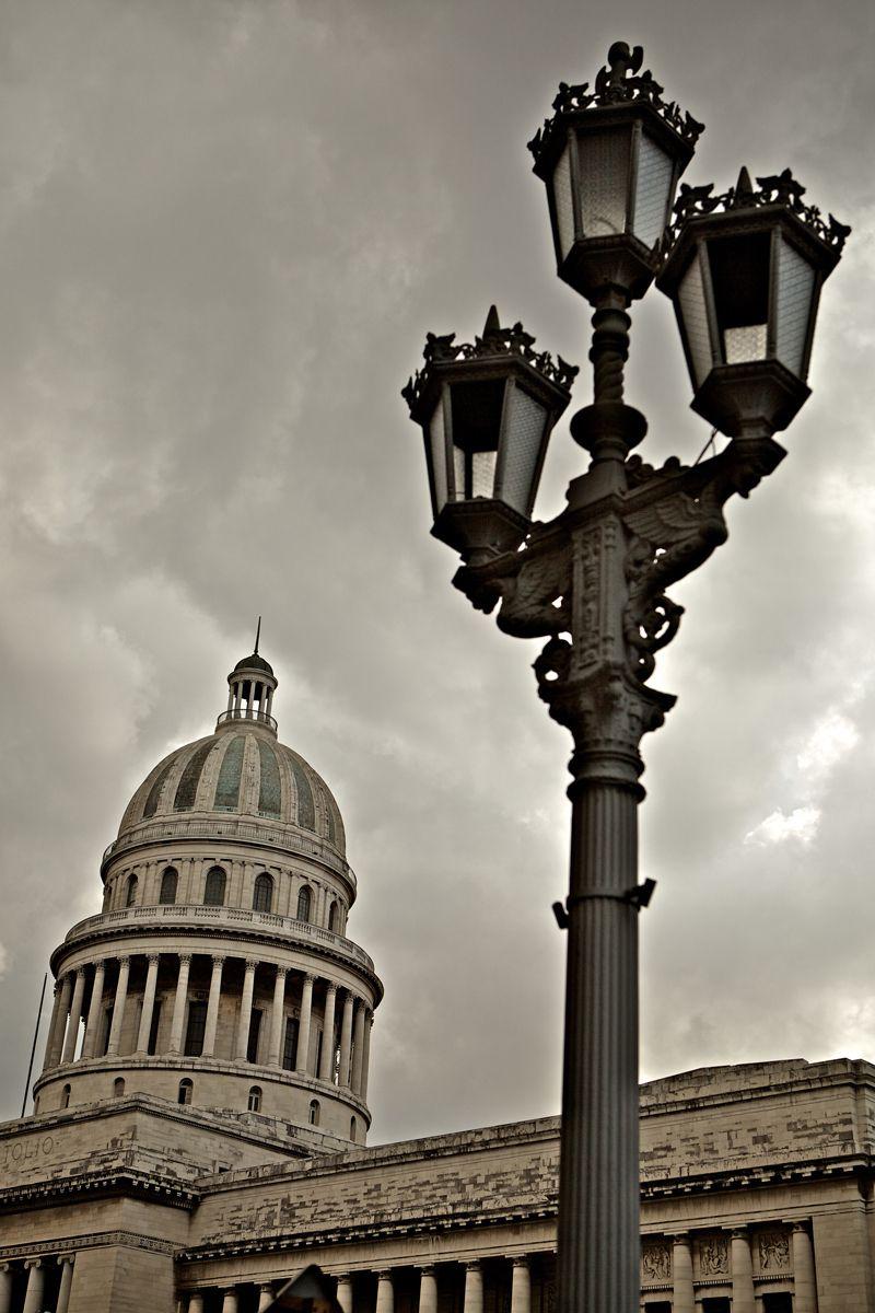 1el_capitolio_la_habana_vieja_old_havana_cuba.jpg
