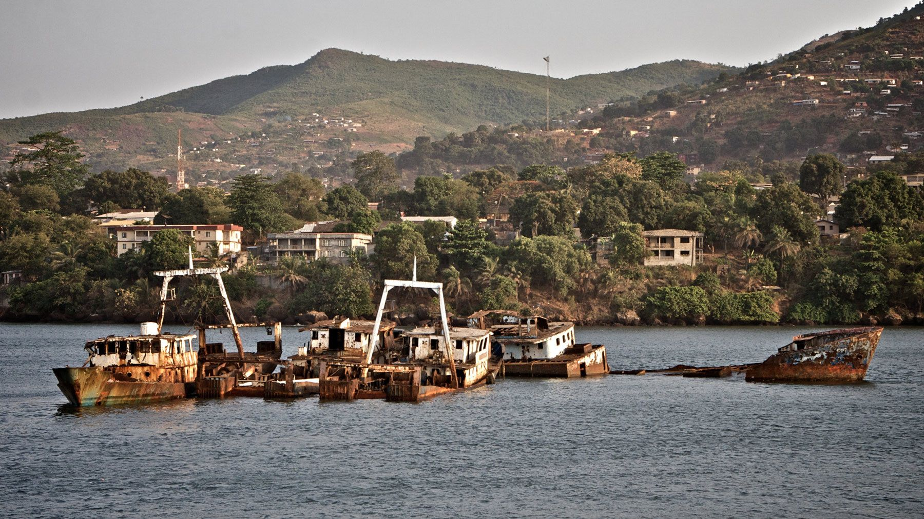 1rusted_ships_freetown_harbor_sierra_leone.jpg