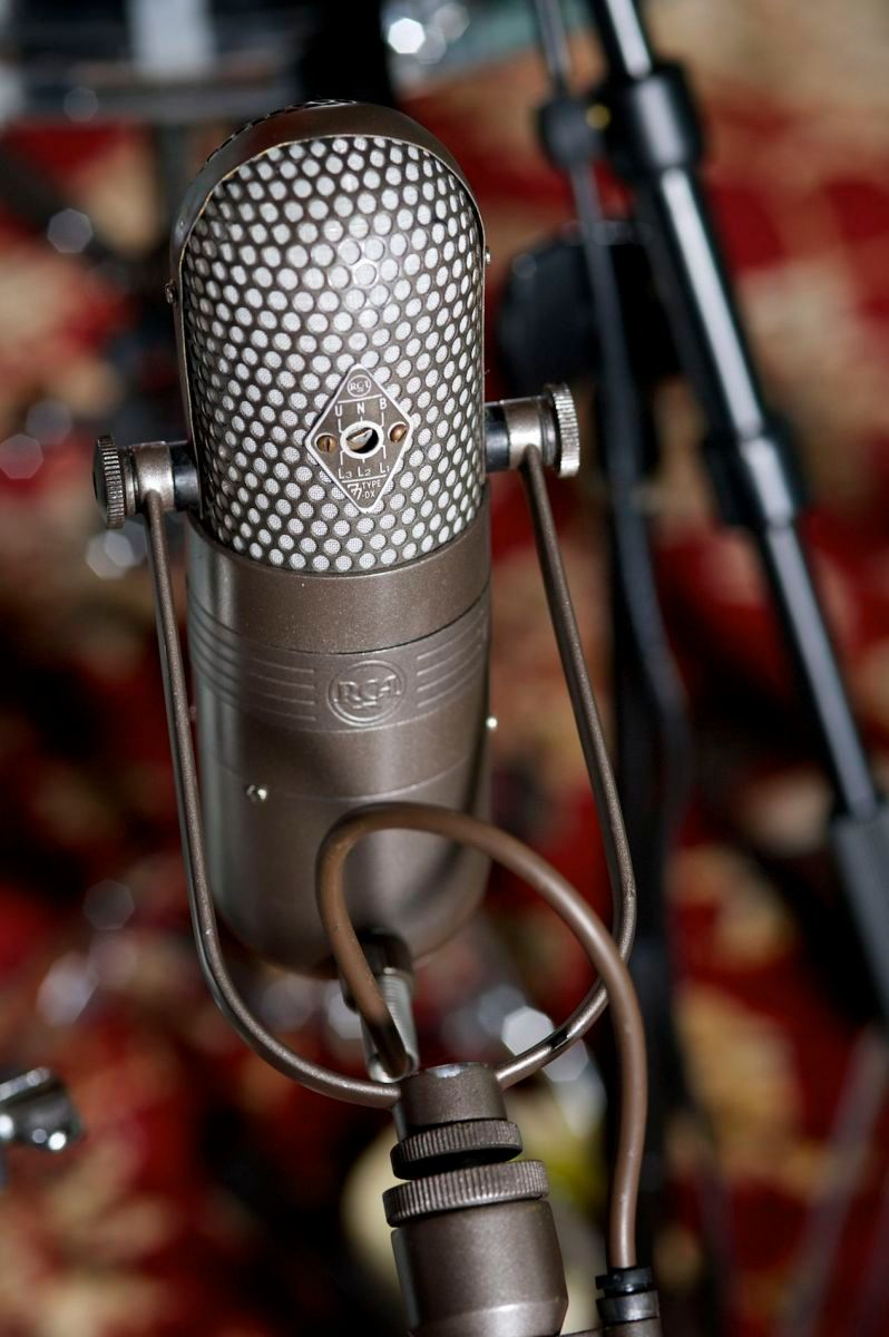 Mark Ronson's mic that was used to record all the vocals on amy Winehouse's Back to Black LP.