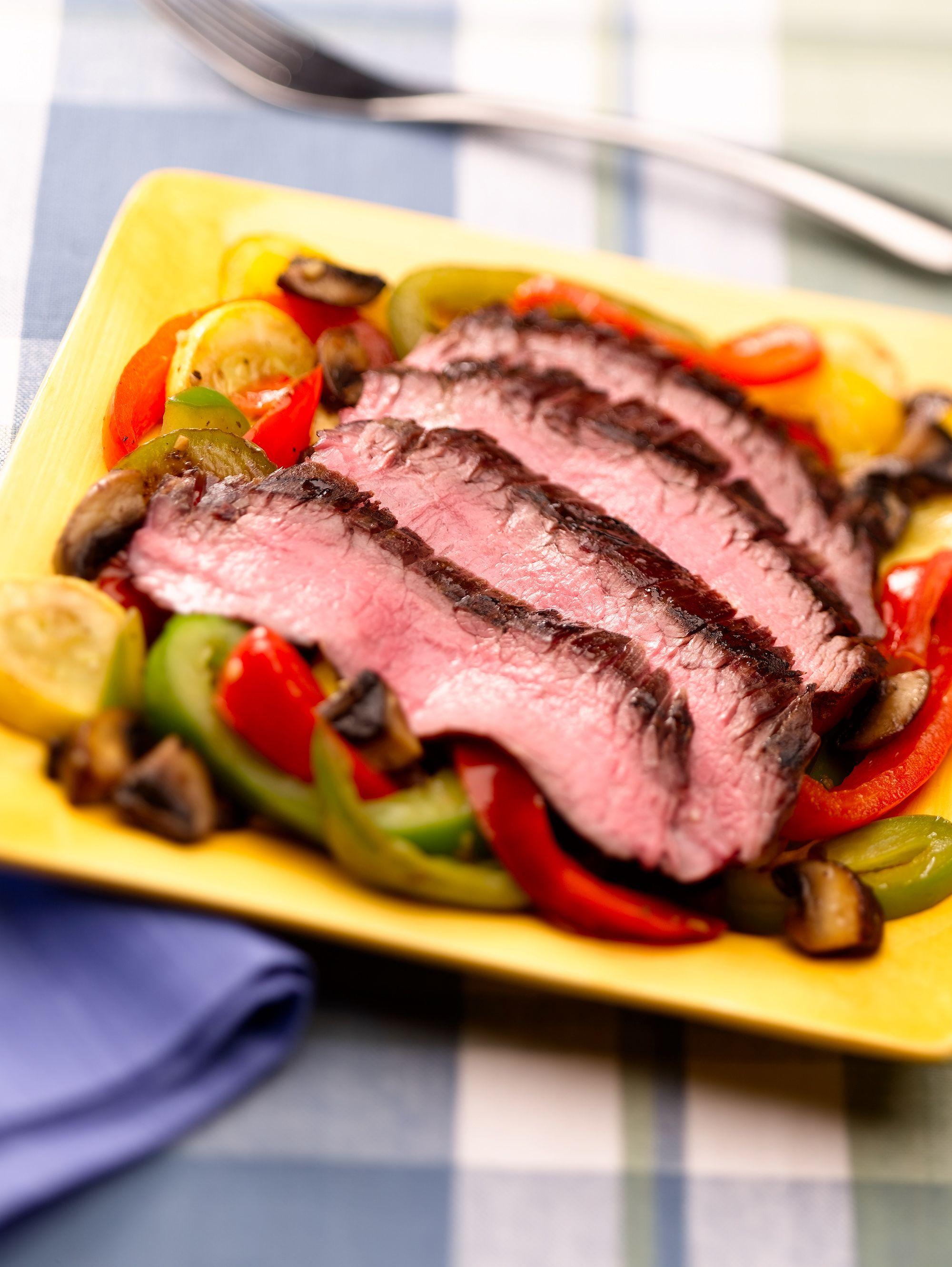 SteakSummerSalad_03.jpg