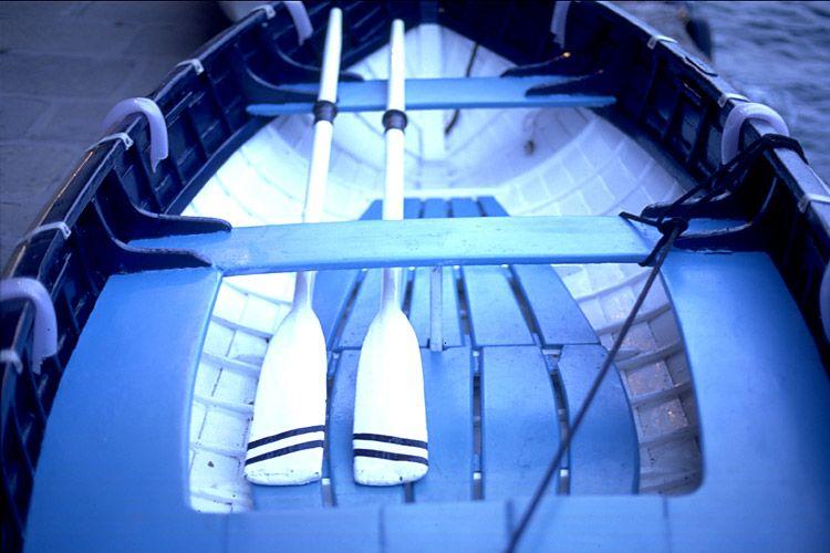 1bluerowboat.jpg